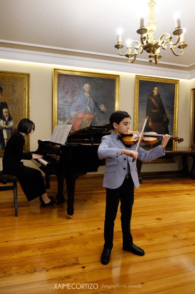 violinista en el concierto