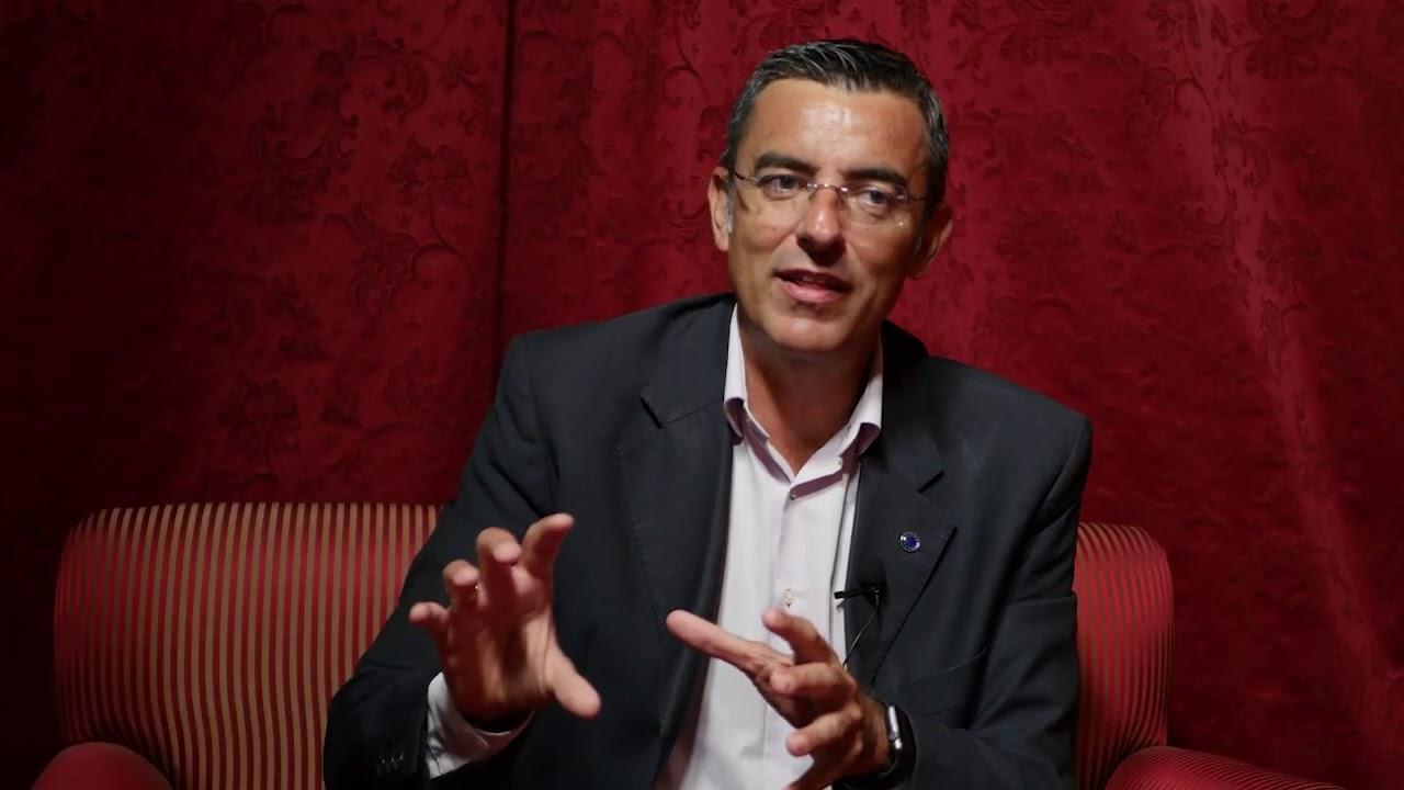 Un momento de la entrevista al Dr. Pérez Martín