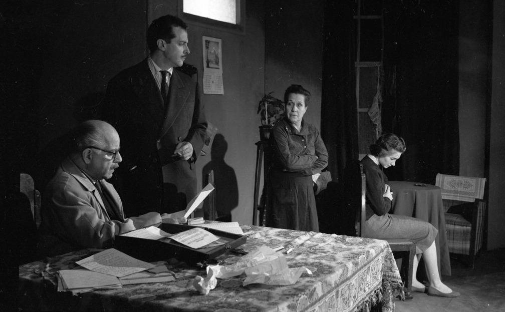 Foto del estreno de Las manos son inocentes